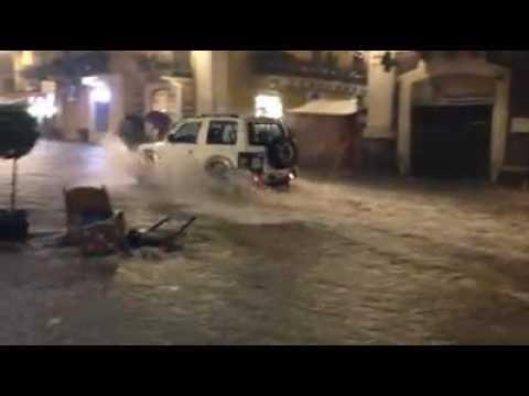 Il maltempo flagella Catania La via Etnea come un fiume