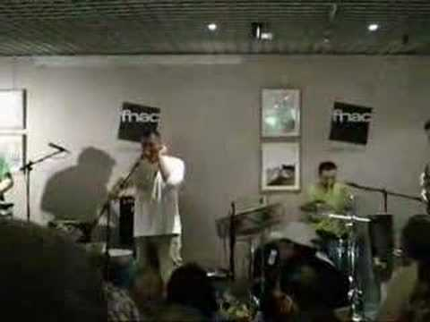 Capone&BungtBangt Live@Fnac Napoli - Luce Bagnata -