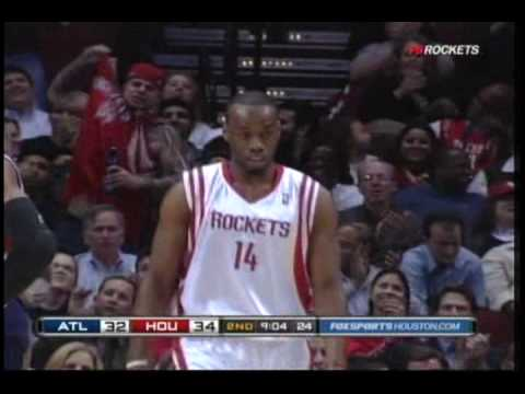 Kyle Lowry finds Carl Landry for a power slam