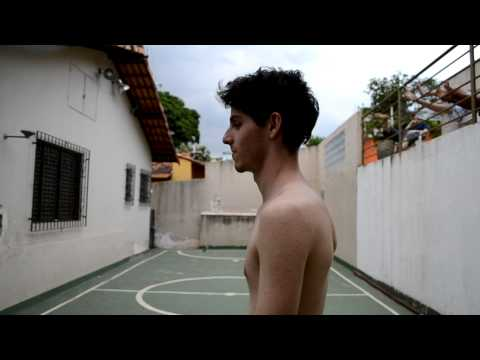 Daniel Paulio e seu novo corte de cabelo, again. (видео)