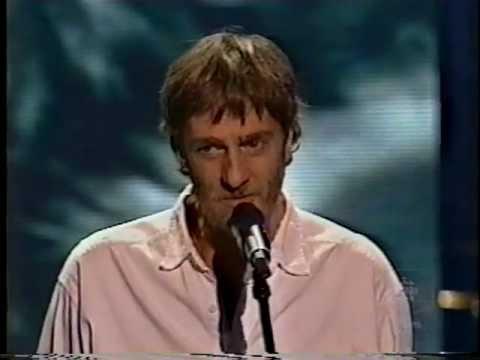 plume - Extrait du gala de l'ADISQ du 27 Octobre 2002 avec un medley de Plume interprété par Garou, Daniel Boucher et Kevin Parent.