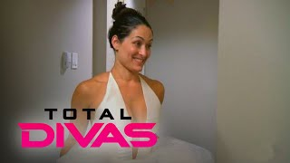 Video Total Divas | Nikki Bella Gets Sweet Bridal Shop Surprise | E! MP3, 3GP, MP4, WEBM, AVI, FLV Maret 2018
