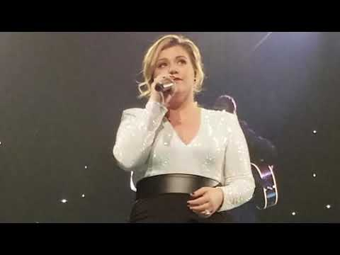 Kelly Clarkson Piece by Piece (Acoustic)