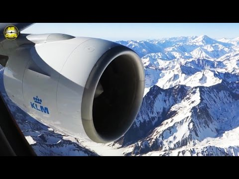 MEGA LOW MOUNTAIN FLIGHT on KLM B777-300! Approach: Andes mountains into Santiago, Chile [AirClips] (видео)