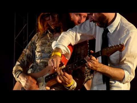 3 guys 1 guitar - The Hoax live at Bospop, The Netherlands, 10th of July 2010.