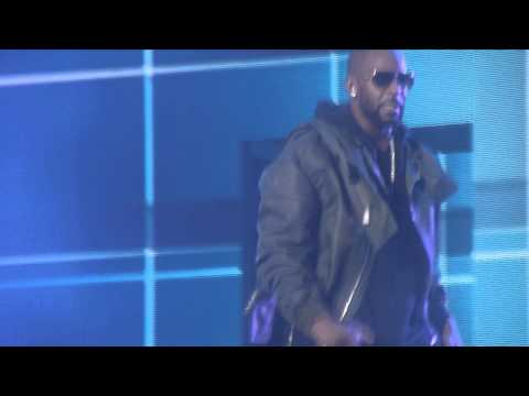 Trey Songz Chris Brown, R. Kelly BetweenTheSheetsTour Your Bodys Callin, Bump N Grind Remix pt. 30