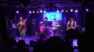 2017年5月5日(金)<br /> <br /> 『Q. presents Across the musiQ. vol.4<br />  ~Q. 5th Anniversary Party!!~』<br /> <br /> 18:00open/18:30start<br /> 前売2,500/当日3,000<br /> (1ドリンク1フード付)<br /> <br /> act→Q./SMASH YOUTH/takacho/Big-Foot/前山佑樹