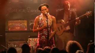 Y'akoto - Talk To Me (Live At La Maroquinerie - Paris - Super Sunday)