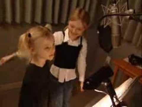 Dakota And Elle Fanning // True Friend