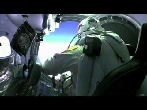 Uzay'dan atlayan adam