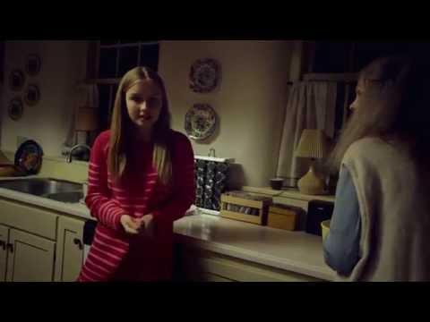The Visit - Extrait : Becca nettoie le four (VF)