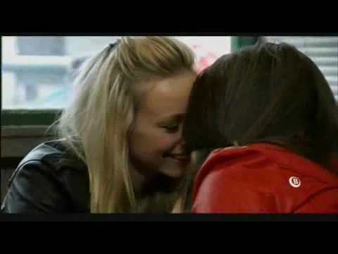 Sophie & Sian (Coronation Street) – I Kissed A Girl (Fan Video)