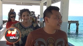 Video Keseruan Liburan Anang, Ashanty dan Aurel di Pulau Morotai - Hot Shot 12 November 2017 MP3, 3GP, MP4, WEBM, AVI, FLV Juni 2018