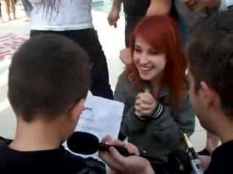 Hayley Williams asked out by a 4 year old and says yes