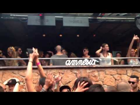 Marco Carola plays Vincent   The Limelight Paul C  & Paolo Martini @ Music On Ibiza 08 08 2014