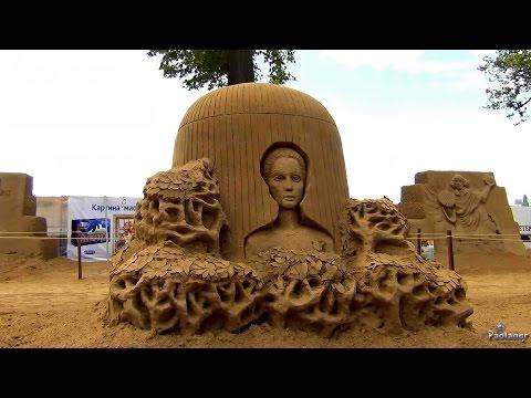 Фестиваль песчаных скульптур на пляже Петропавловской крепости