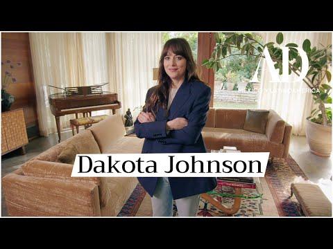 Dakota Johnson nos da un tour a través de su hogar en Los Ángeles