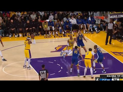 Carmelo Anthony pump faked a free throw 🤭 Lakers vs Warriors