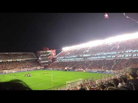 Recibimiento de Independiente 0 vs Atlético Tucumán 2 - La Barra del Rojo - Independiente