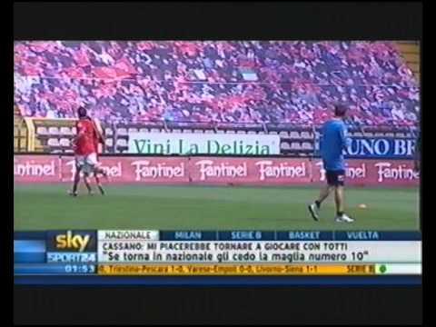 「[サッカー]イタリアのチームがスタジアムの観客席にサポーターの絵を描いてる件」のイメージ