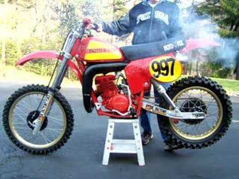 Vintage Honda Elsinore CR 250 R warm up