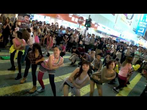Image of PSY Gangnam Style Flash Mob Dancing Hong Kong Style - 江南快閃 - GANGNAM STYLE - YouTube