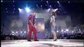 Chris Brown - Thriller Tribute at World Music Awards (HD Quality) (Tribute to Michael Jackson)