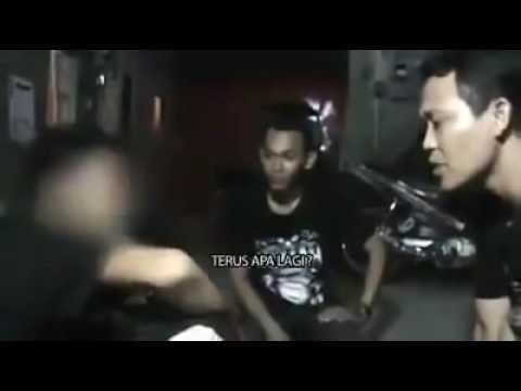 Jin suruhan orang untuk menyakiti organ dalam, KEJAAAAM.... (видео)
