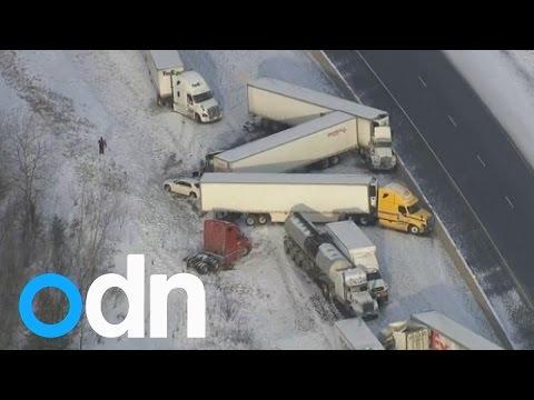 حادث تصادم لمجموعة شاحنات على الطريق السريع