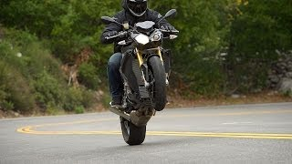 2. 2014 BMW S1000R - 4cyl Streetfighter Shootout Part 3 - MotoUSA