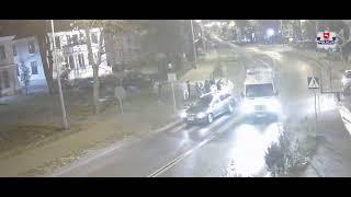 Pijana 17-latka wbiegła pod auto po kłótni z chłopakiem – nagranie z monitoringu w Tomaszowie!