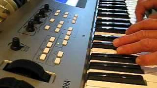 ORIGINAL JAM - 60'S FUZZ DISTORTION GUITAR on the Yamaha MM6 Synth
