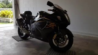 8. 2015 Suzuki Hayabusa GSX1300R Walkaround, Start up with Yoshimura Carbon slip on exhaust