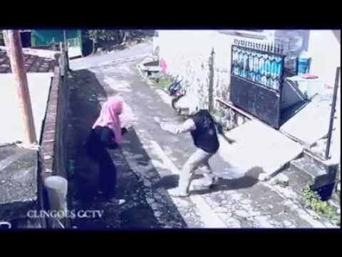 Victim Steals Mugger s Motorcycle