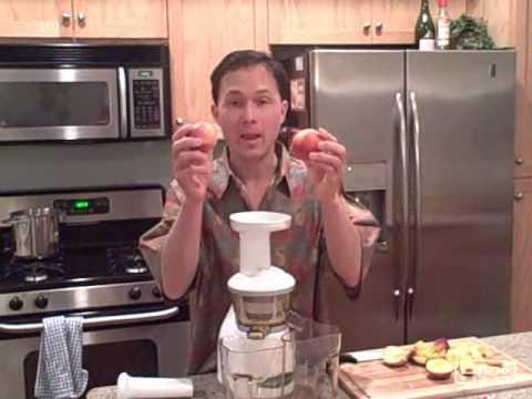 Juicing Papaya Strawberry Peach Kiwi and Banana in the Omega VRT330 VERT Juicer