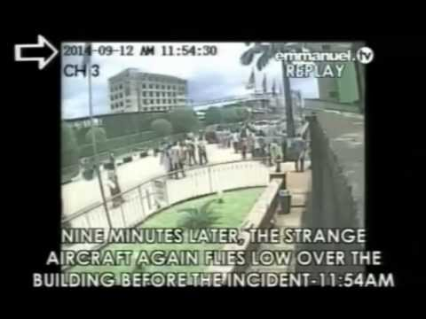 Click - As recorded from T.B. Joshua's Christian station Emmanuel TV, here is the raw security footage of a strange plane flying low over a building at The Synagogue, Church Of All Nations in Lagos,...