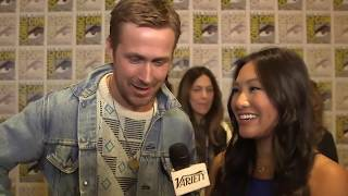 Ryan Gosling (Blade Runner 2049) gets shoved by Harrison Ford during their Comic Con 2017 Interview