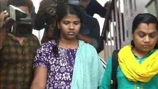 Video അമ്മ 2 പേരുടെ നടുക്ക് പൂർണ നഗ്നയായി കിടക്കുന്നു പിന്നീട് സംഭവിച്ചത് ഇങ്ങനെ | Saumya Latest News MP3, 3GP, MP4, WEBM, AVI, FLV Juli 2018