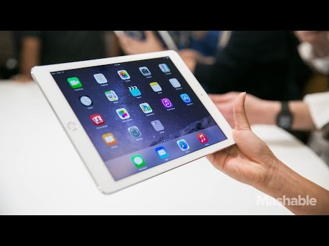 ipad 2 - It's super-thin, with a laminated screen that shows high-quality photos and videos. Mashable's Lance Ulanoff takes a first look. http://www.mashable.com LIKE us on FACEBOOK: http://facebook.com/ma.