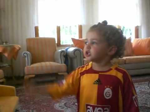 gs - Gamze Sariyar is a fan of Galatasaray, this is a home made video of her cheering up as if a mature GS fan :)