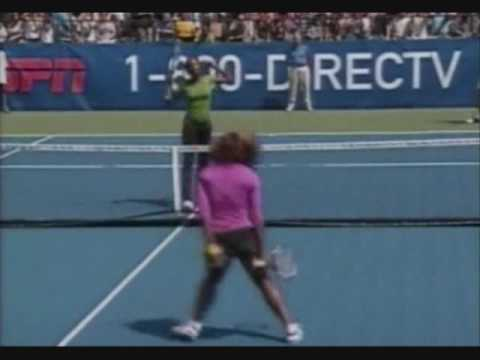Venus and Serena Williams dance on the Tennis court