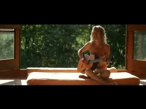 Istvan Sky - The Man Who Heals With Music - Egy táltos élete (видео)