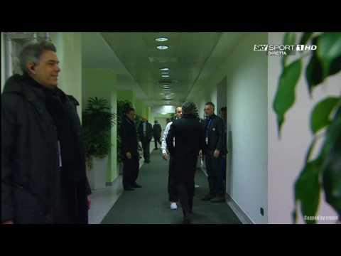 Abbraccio Sneijder-Mourinho (видео)
