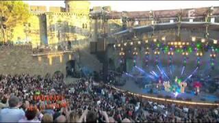 David Guetta ft Chris Willis - Gettin Over You (at Fete de la Musique 2010)