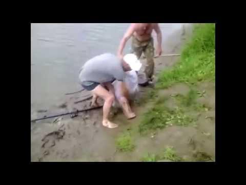 видео прикол пьяные рыбаки