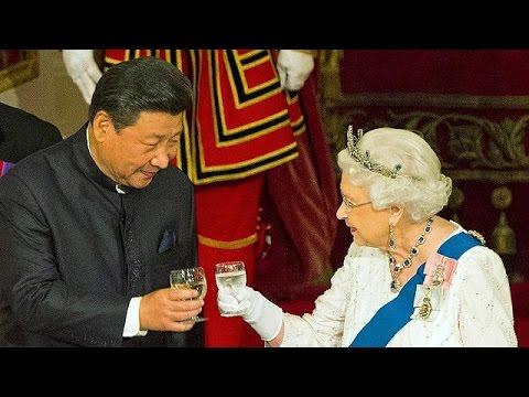 Βρετανία: Το μικρόφωνο πρόδωσε τη Βασίλισσα Ελισάβετ – «Αγενείς οι Κινέζοι»