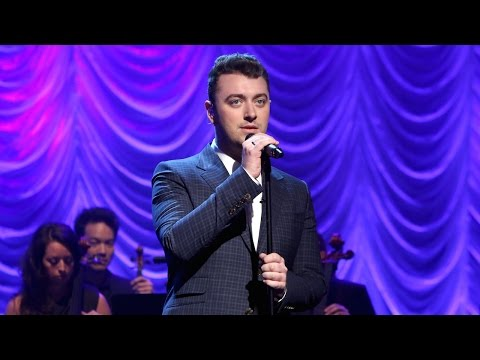 Sam Smith Performs 'Lay Me Down' (видео)