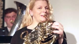 Geltonos Sofos Klubas | Brasspalvos