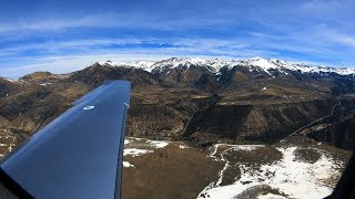 Video Landing at one of Colorado's Most Challenging Airports MP3, 3GP, MP4, WEBM, AVI, FLV Juli 2019