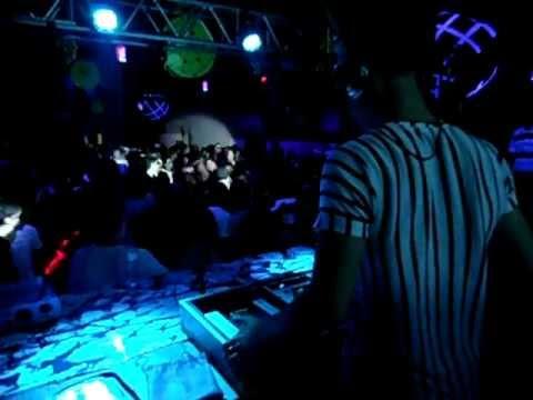 Edi Garcia - Megna 25 Fev 2012  1/2 (видео)